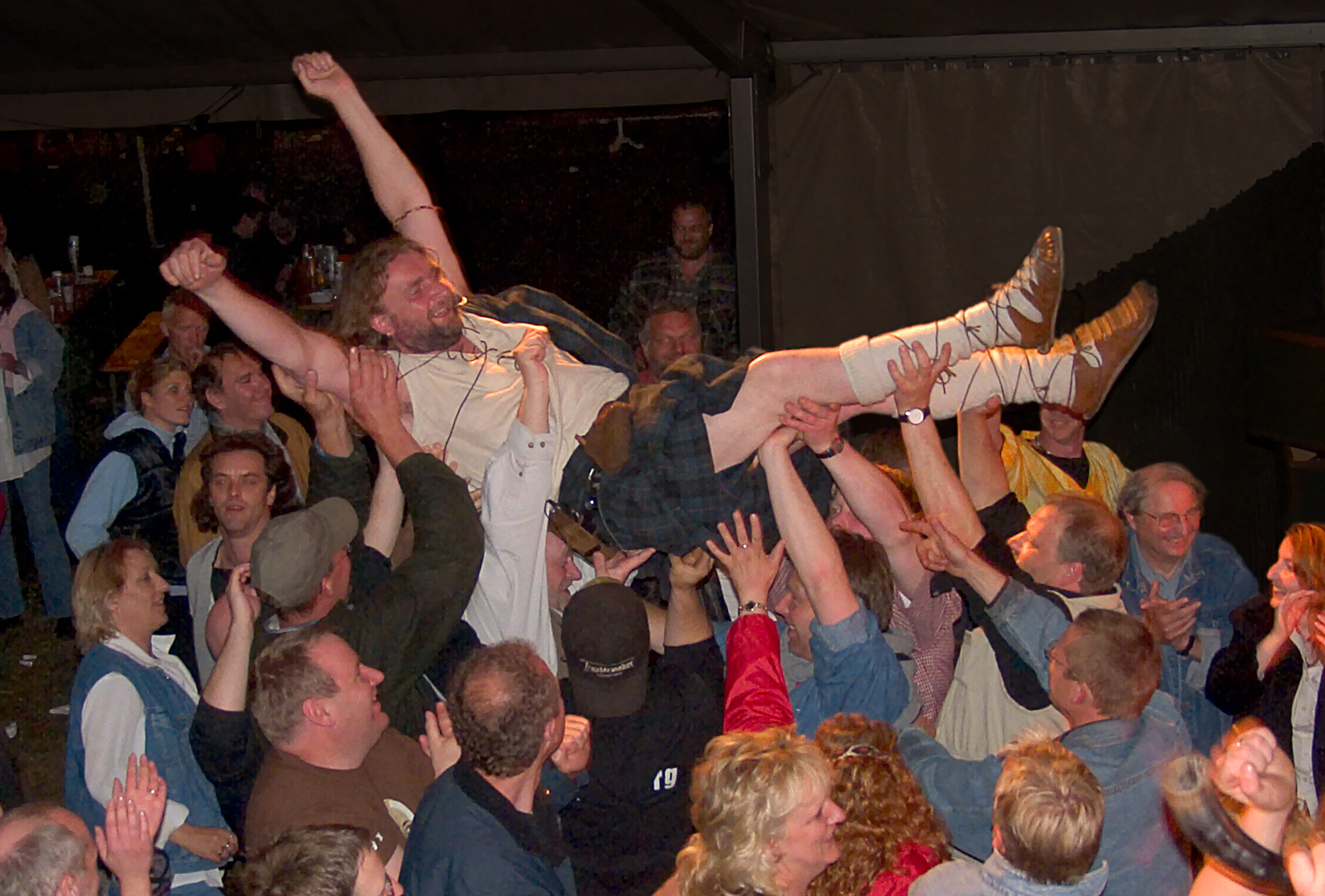 TBT William Crowdsurfing