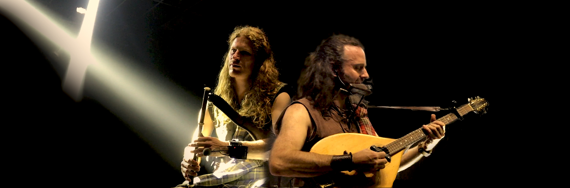Caledonia-at-Odin's-Krieger-Festival-in-Brazil-Rapalje-Celtic-Folk-Music