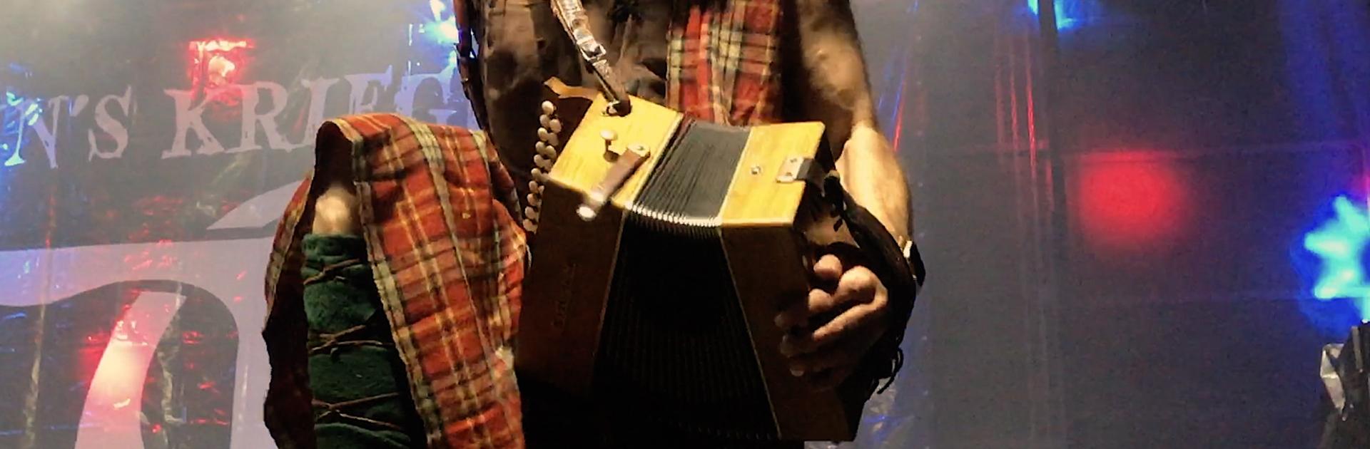 Wat-Zullen-We-Drinken-Zeven-dagen-lang-in-Brazil-Rapalje-Celtic-Folk-Music