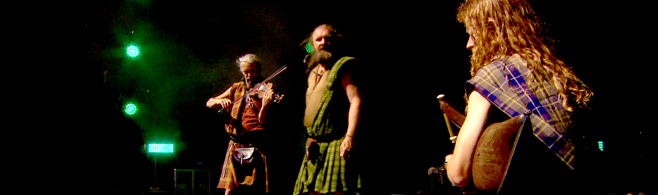 Skyeboat-song-Theme-from-Outlander-Celtic-folk-music-live-performance