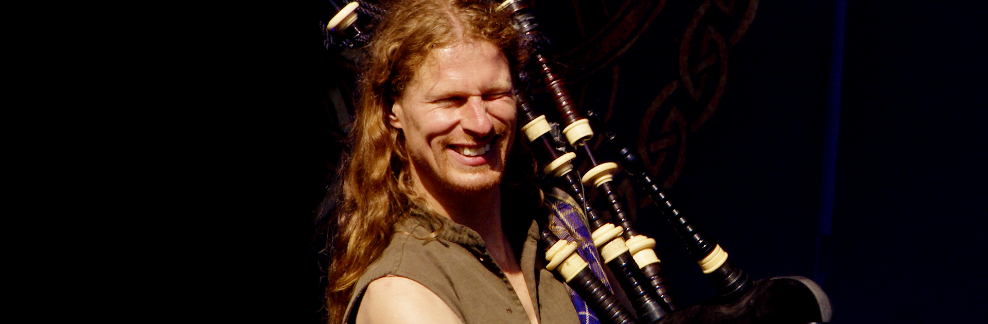 Heart-of-Steel-Scottish-bagpipes-Castlefest-Rapalje-Celtic-Folk-Music